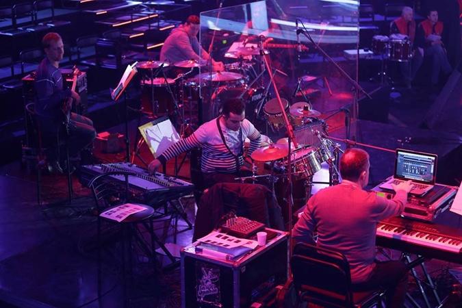 На проекте всегда играет живой оркестр. Фото:
