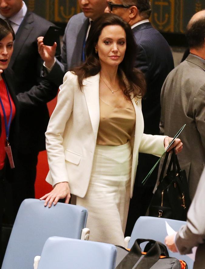 Российские актрисы нелепые ситуации без нижнего белья фото 451-622