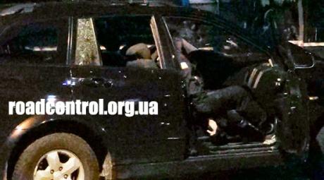 Один из правоохранителей погиб на месте. Фото: roadcontrol.org.ua