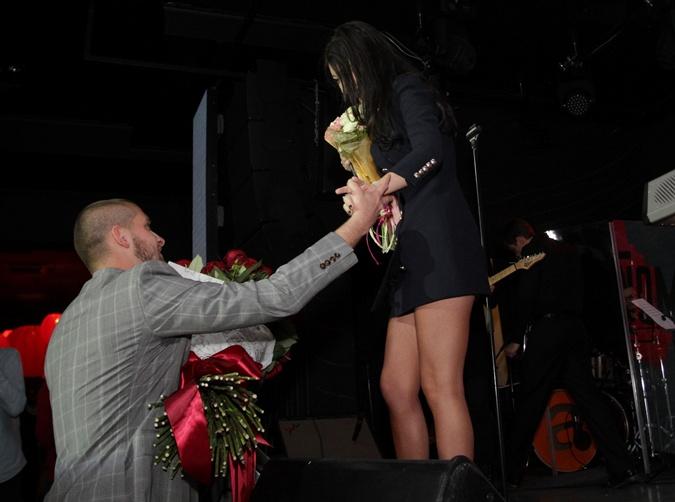 Ярослав остался доволен выступлением жены. Фото: Олег ТЕРЕЩЕНКО