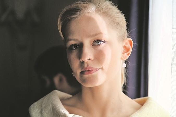 Юлия Пересильд исполнила роль Раллисы Кочевой, прототипом которой была Майя Кармен - вторая жена Василия Аксенова.