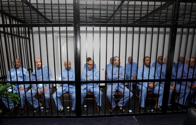 9 человек, приближенных к Каддафи, приговорили к смерти.