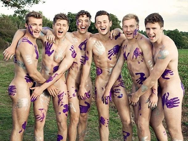 Эротический календарь с парнями