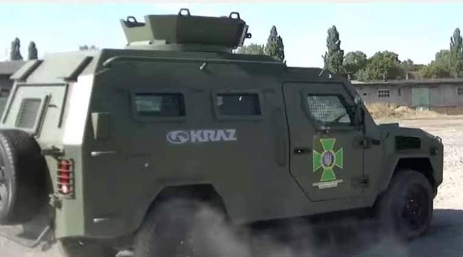 В Украине презентовали новый бронеавтомобиль  фото 1