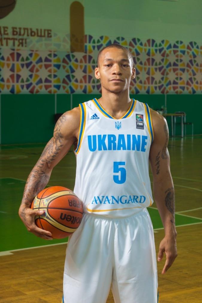 Сборная Украины отправится на Евробаскет в белой форме фото 2