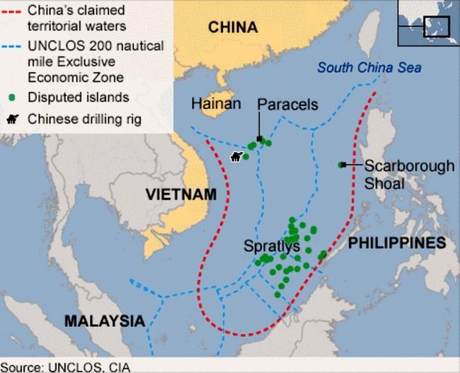 Помимо Китая на острова претендуют Филиппины, Вьетнам и Малайзия.