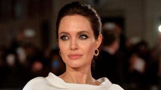 Анджелина Джоли удалила молочные железы. Фото: Getty Images