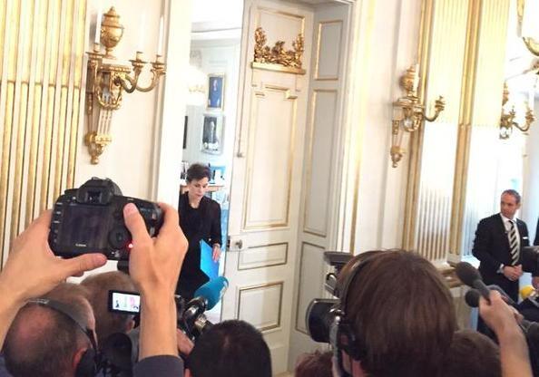 За минуту до известия: лауреата объявила литературовед Сара Даниус.