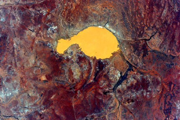 Ландшафт Земли кажется совершенно инопланетным. Фото: twitter.com/StationCDRKelly