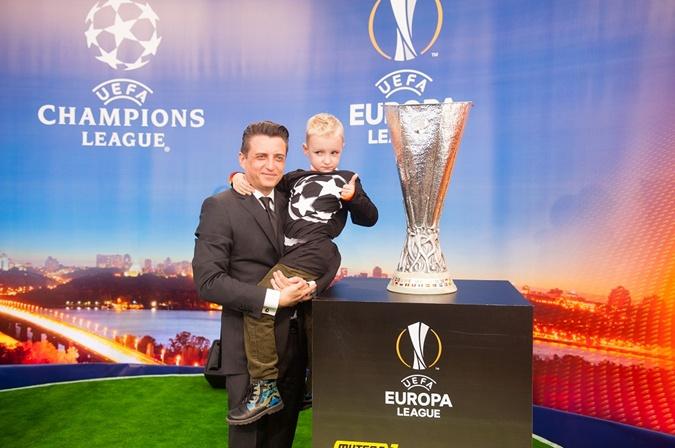 Футбольные матчи Лиги чемпионов и Лиги Европы можно смотреть на каналах