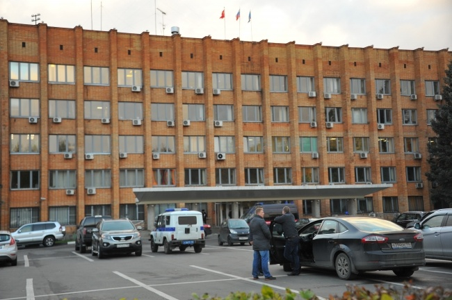 Убийство произошло в Красногорской администрации в разгар дня.