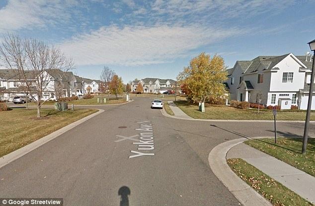 Улица, на которой живет Кэрри.