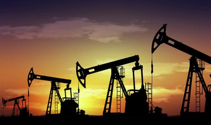 В первую очередь это главный продукт – нефть.