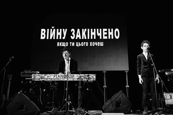 12-летний сын Шурова спасал группу, когда тот болел ангиной.