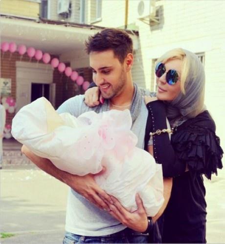 Летом 2015 года Ирина Билык и Виталий Козловский по крестили дочь Елены Бернацкой.