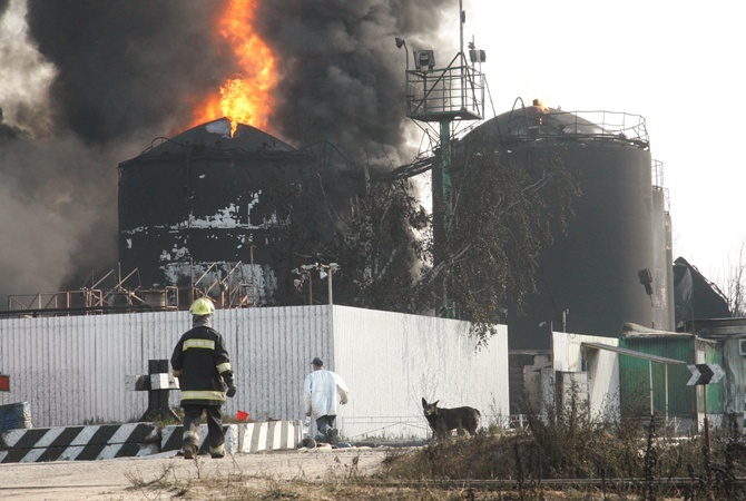 Пожар на нефтебазе в Киевской области в июне 2015 года.