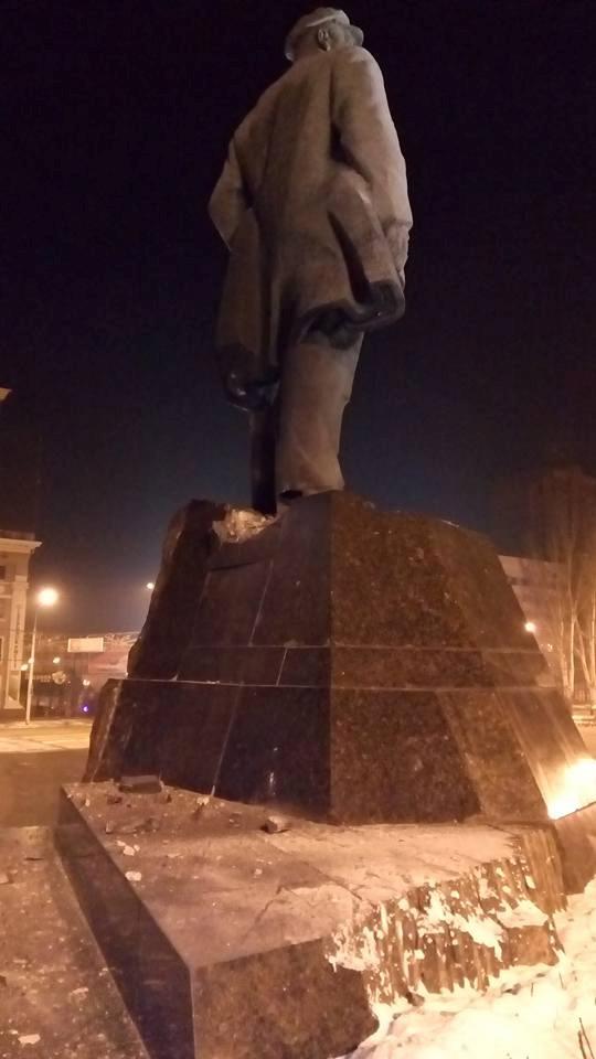 Задержали подозреваемого в подрыве памятника Ленину.