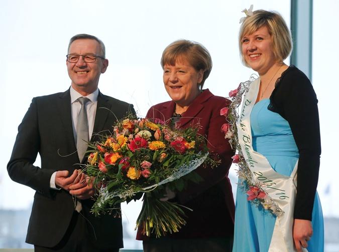 Меркель с Цветочной Феей.