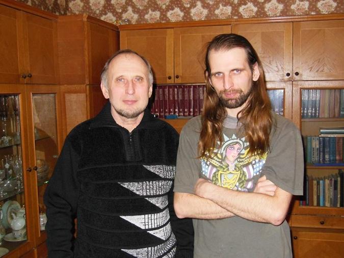Промышленный альпинист, активист экологической организации, 33-летний Евгений Котляр был на Майдане с начала декабря 2014-го. 20 февраля, прикрываясь деревянным щитом, выводил по Институтской раненых людей. И сам был сражен пулей.