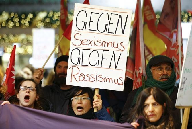 В начале января в Кельне прошли акции против сексизма и расизма.