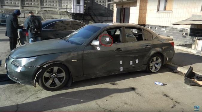 BMW, в который стреляли патрульные.