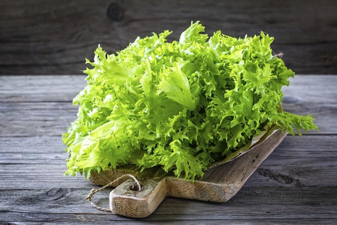 Кушайте как можно больше зелени.