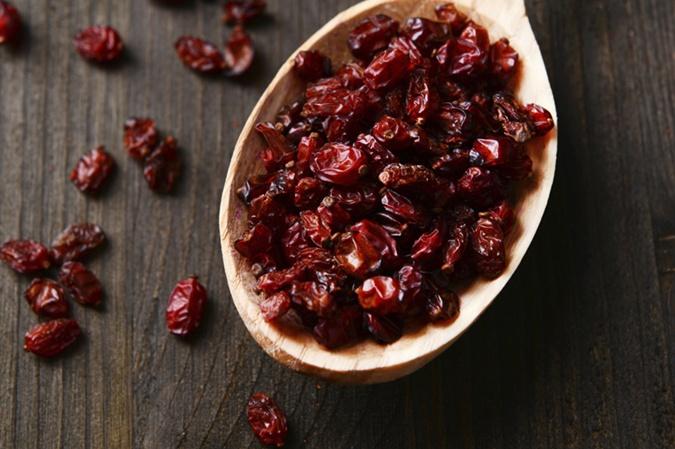 Сладости замените орешками и сухофруктами