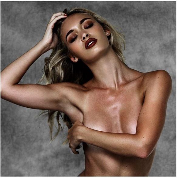 Новая девушка Лео - 24-летняя модель Рокси Хорнер.
