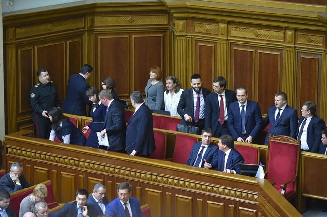 Яценюк ушел - его министры в недоумении.