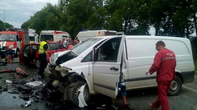 НаЛьвовщине нетрезвый шофёр убил беременную супругу и4-летнего ребенка