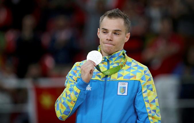 Конечно, Верняев был расстоен, как и ждавшие золото украинские болельщики.