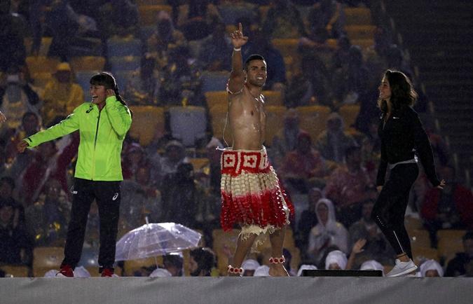 Пита Тауфатофуа не выиграл медали, но, кажется, сделал карьеру модели.