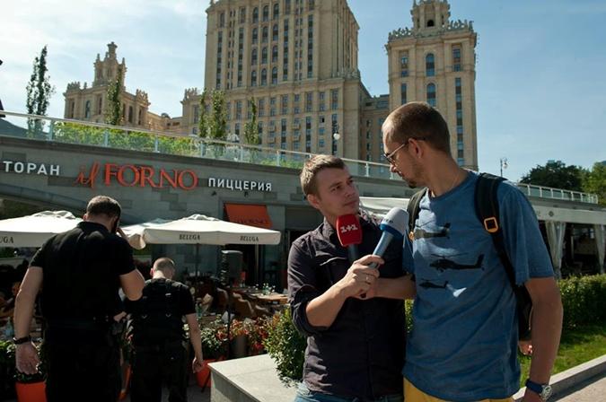 Данил Русаков (слева).