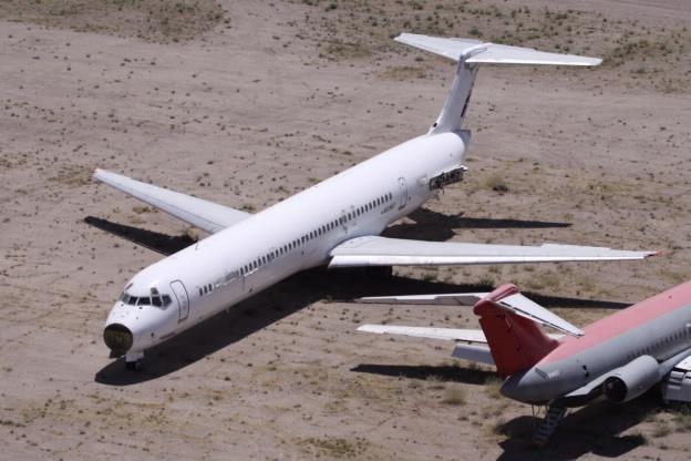 На фото: 27 летний McDonnell Douglas на американском авиакладбище