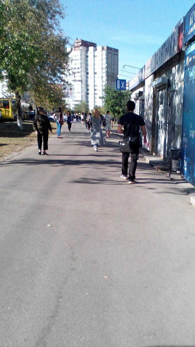 На Троещине пробки. Фото: Марии Прозоровой