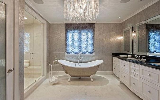 В этой ванне теперь будет мыться Анджелина.