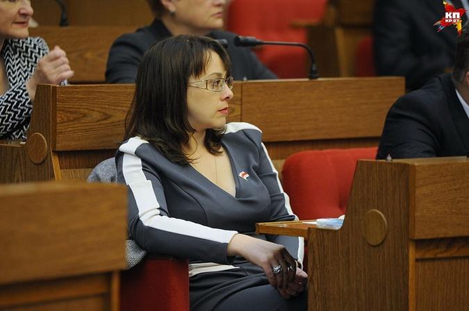 Канопацкая посетовала, что ее зарплата не дотягивает до 1000 евро (ВИДЕО)