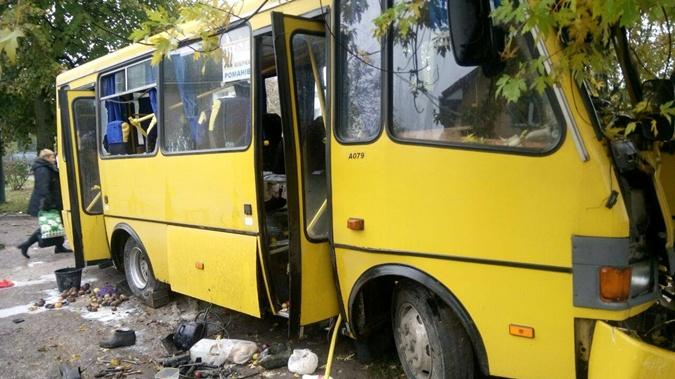 В результате аварии пострадали все пассажиры автобуса, которых госпитализировали в больницы города. Фото: Патрульная полиция Львова