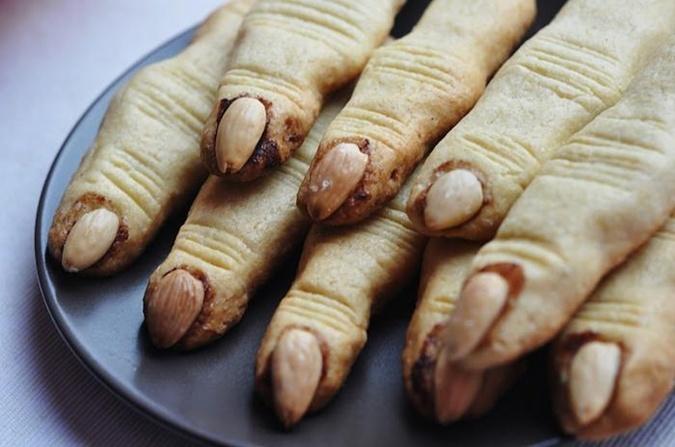 Печенье ведьмины пальцы на хэллоуин