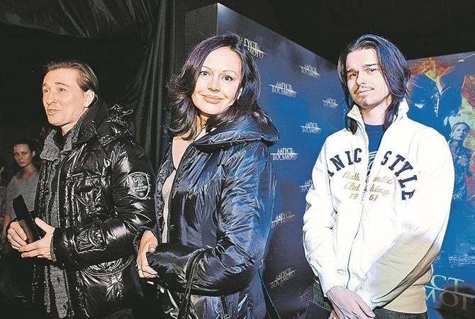 Ирина Безрукова проговорилась о контракте сбывшим мужем