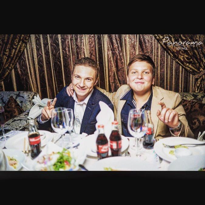Средний сын Добкина Илья признавался, что носит часы Hublot.