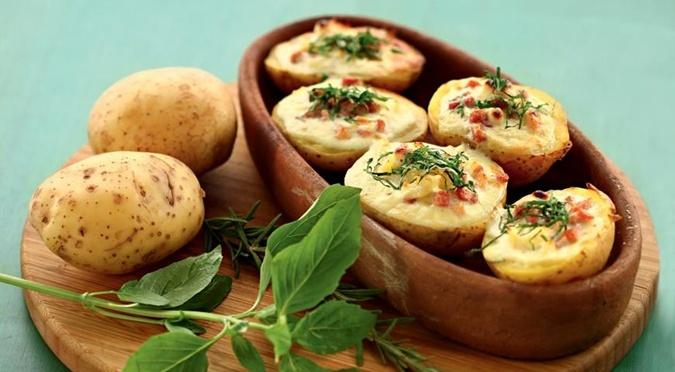 Картошка с яйцом в духовке рецепт с пошагово