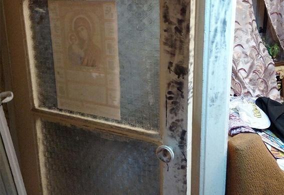 Киевлянин закрылся в квартире с несколькими трупами и застрелился фото 3