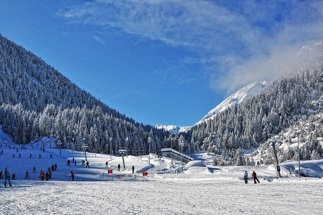 Банско, Болгария. Фото: planet-mountaineering.com