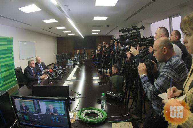 На брифинге присутствовало много прессы. Фото: Павел ДАЦКОВСКИЙ