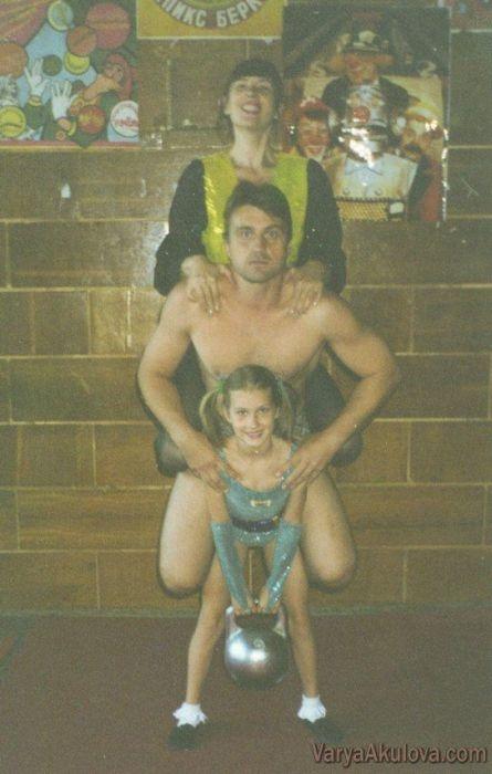 Родители силачки Вари Акуловой: Нам говорили: вы растите из дочки мутанта фото 1