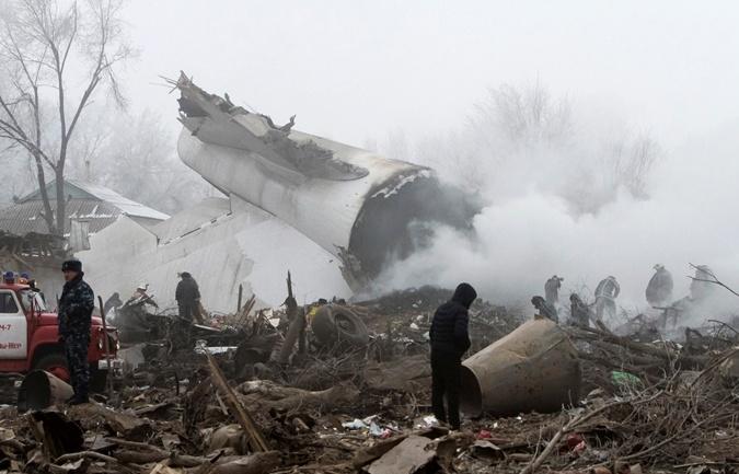 Фото дачного поселка в Киргизии, на который рухнул самолет фото 2