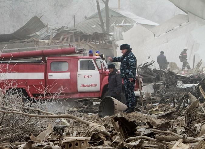 Фото дачного поселка в Киргизии, на который рухнул самолет фото 1