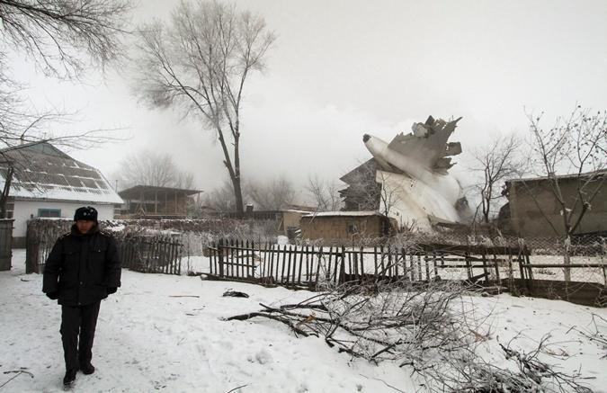 Фото дачного поселка в Киргизии, на который рухнул самолет фото 3