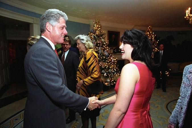 Интимная связь президента и стажерки длилась около двух лет.